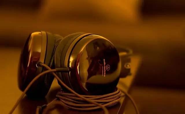 如何保养头戴大耳机?