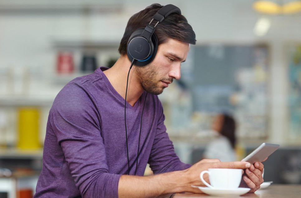MSR7(陌生人妻)系列新成员     Audio-Technica ATH-MSR7b耳罩式耳机