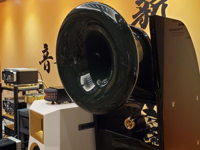 感受号角的风采:CESSARO Alpha III系列大型号角扬声器